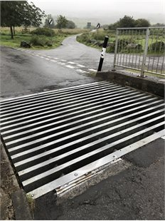 heol-y-sarn cattle grid