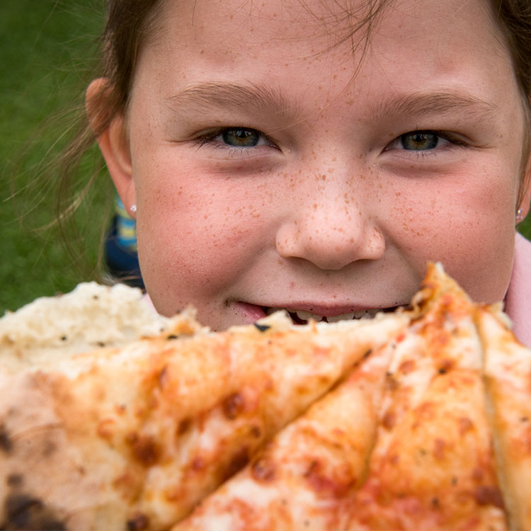 Girl-with-pizza