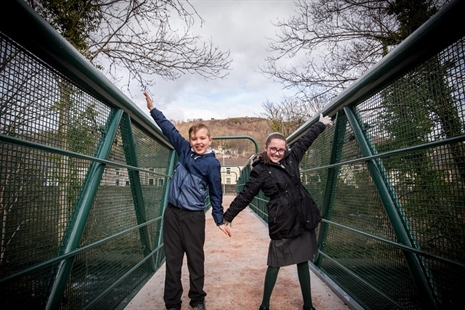 Hopkinstown footbridge officially re-opened by local pupils