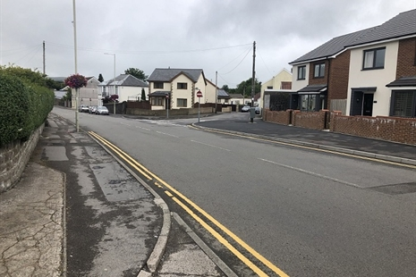 New pedestrian crossing will improve safe routes to school in Hirwaun