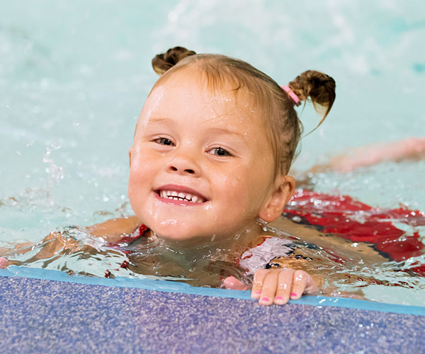 baby-and-Toddler-Swimming-lessons-600x500