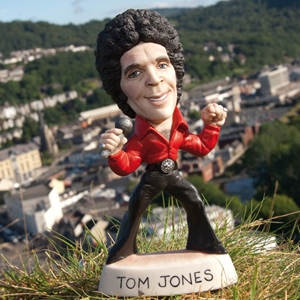 Tom-Jones-Grogg