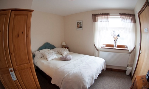 the-central-guest-house-treforest-double