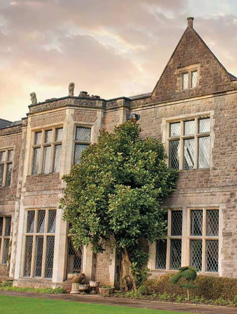 Where-to-Stay-Miskin-Manor